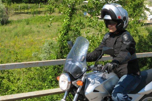İlk motosikleti sürerken biraz kotku olacak:)