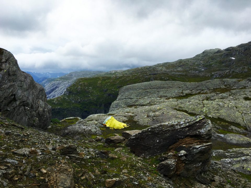 trolltunga-kamp-norvec