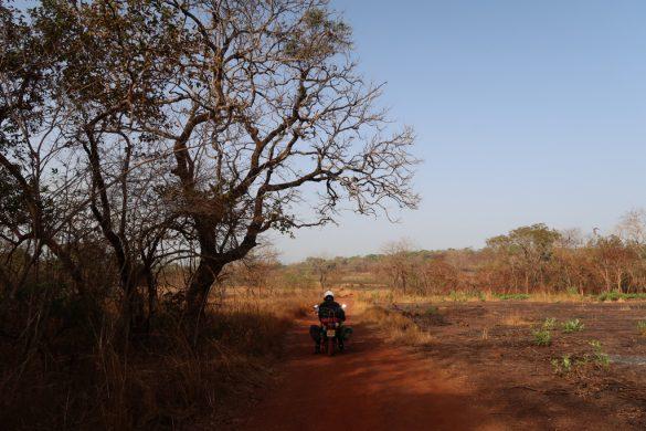 Motosikletle Afirka Gezisi