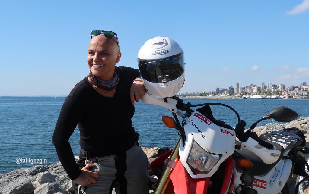 Tek başına kadın motosikletli dünya turu